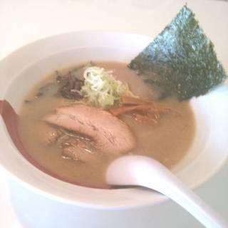 白湯醤油ラーメン