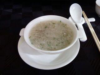 山芋とろろ入りふかひれスープ