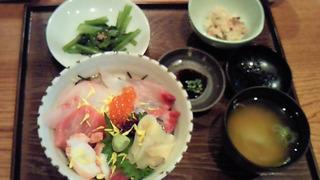 ランチ 本日限定海鮮丼