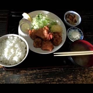 ランチ  鶏の唐揚げ定食