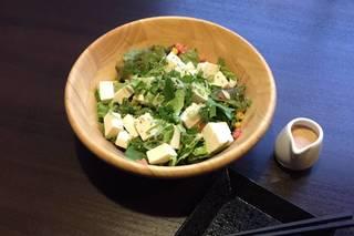 九条葱と有機豆腐の金胡麻サラダ