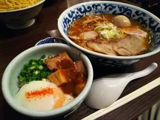旭川らーめんとロコモコ丼のセット