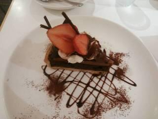 いちごと生チョコレートのタルト