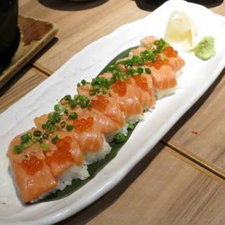 キングサーモン炙り箱寿司
