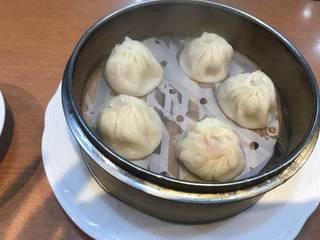 上海風肉汁たっぷりショーロンポー