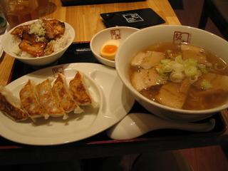 ラーメン焼き豚丼餃子セット