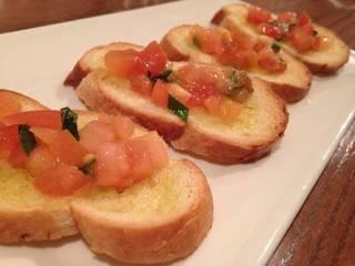 トマトとフレッシュバジルのカナッペ