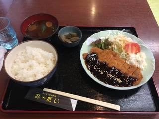 トンカツ定食 味噌