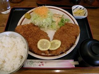 ロースかつ+チキンかつ定食