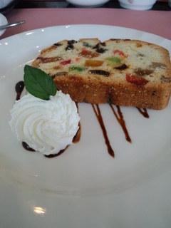 洋食屋のシェフが作る特製パウンドケーキ