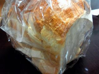 ブーランジェリー・ブルディガラの焼き立てパン