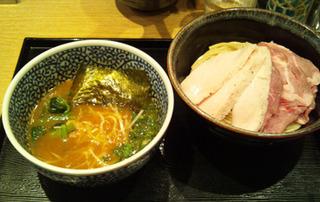 チャーシュー濃厚魚介つけ麺