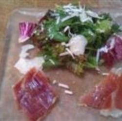 イベリコ豚と有機野菜のサラダ