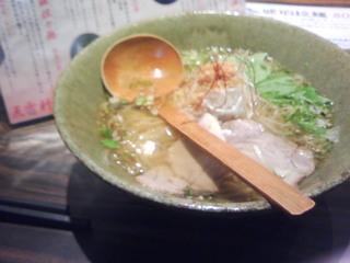 琥珀醤油拉麺