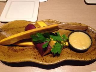 サツマイモのフライドポテト ハニーディップ添え