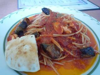 タコと揚げ茄子のアラビアータスパゲッティ