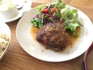 国産牛と国産豚のハンバーグ(ステーキソース)