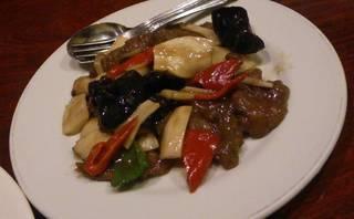 牛肉と旬野菜のXO醤炒め