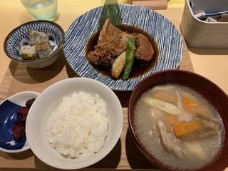 ランチ 煮魚定食