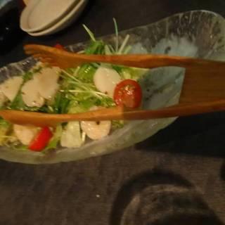 ホタテの貝柱と小エビのサラダ