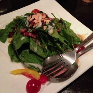 ニンニクとベーコンのほうれん草サラダ