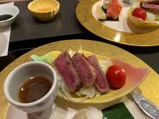 しゃぶしゃぶ(和牛霜降肉・野菜盛)