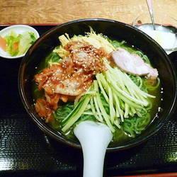グリーン冷麺