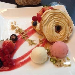 苺とマスカルポーネのリングシュー〜メープル風味〜