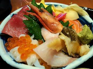 海鮮丼 豪華九種盛り