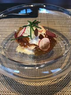 カリフラワーと蟹の前菜