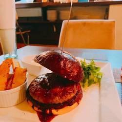 Luxe Burgers (リュクス バーガーズ)人形町