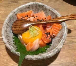 鮮魚の胡麻塩ユッケ