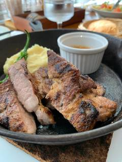 石見ポークの薪焼きステーキ