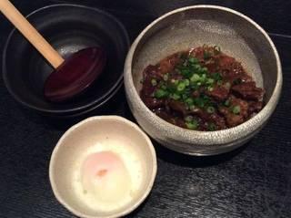 国産牛すじの赤味噌煮込み(温玉orパルメザンチーズ)