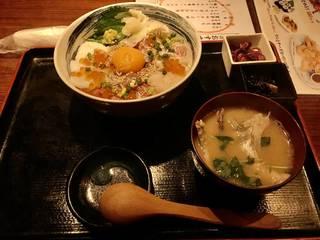 天然地魚 魚七丼