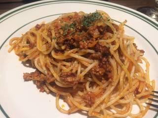 粗挽き肉のボロネーゼ風パスタ