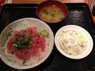 マグロ中落ち丼+味噌汁