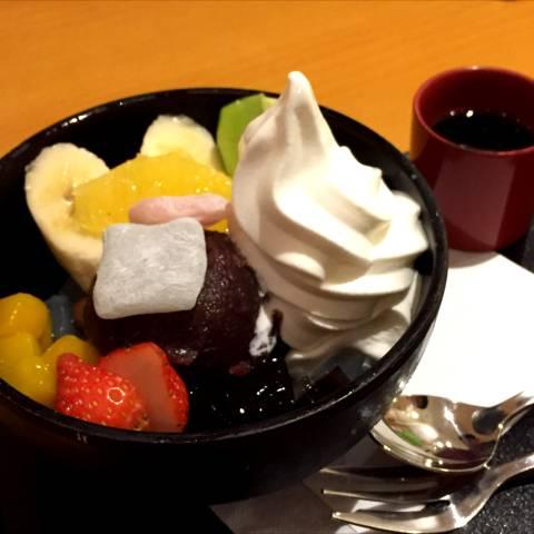 フルーツソフトクリームあんみつ