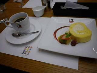 ロールケーキのケーキセット