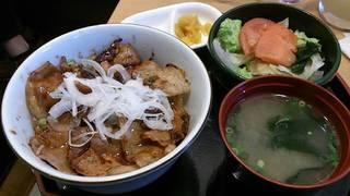 沖縄産あぐー豚の豚丼膳