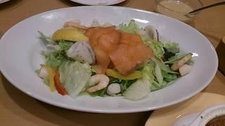 魚介たっぷりシーフードマリネサラダ