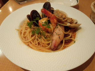 魚介類のピリ辛トマトソーススパゲッティ