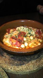 牛胃袋、チョリソー、ガルバンソ豆の煮込み