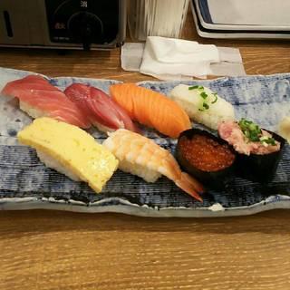 おまかせ寿司8貫