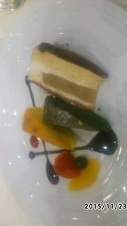 ケーキ3種(梨のケーキ、抹茶ケーキ、チーズケーキ)