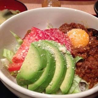 らいおん風タコライス丼+サラダ