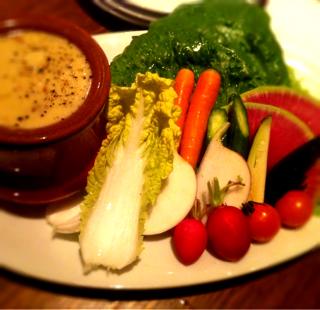 野菜とロメインレタスのバーニャ・カウダ