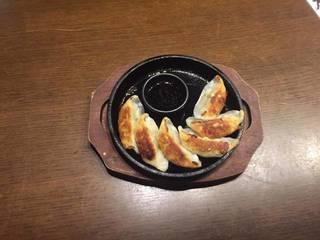 鹿児島名物黒豚入り焼き餃子