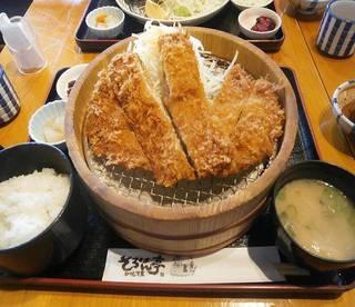 ジャンボトンカツ定食