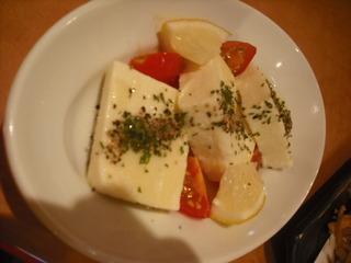トマトとチーズ豆腐のカプレーゼ